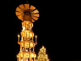 Altmarkt. Největší drážďanský vánoční trh najdete na náměstí Altmarkt. První tu byl už v roce 1434.
