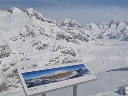 Na panoramatick� cest� nad Aletschsk�m ledovcem