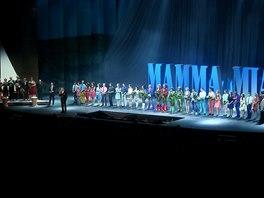 Z premi�ry muzik�lu Mamma Mia!