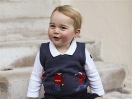 Britsk� princ George p�zoval pro v�no�n� pozdravy (konec listopadu 2014).
