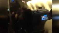 Jeden z cestujících na palub� linky ze Soulu do Dallasu zachytil na sv�j...