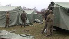 Vojsko buduje tábor v Haluzicích