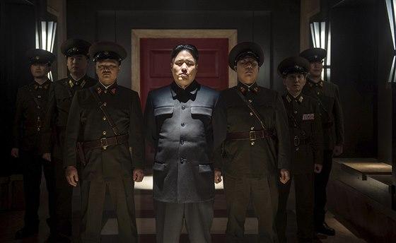Snímek z komedie The Interview, která pojednává o vraždě Kim Čong-una
