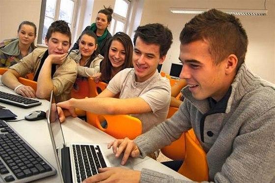 Vyberte si profesi až během studia obchodní akademie!