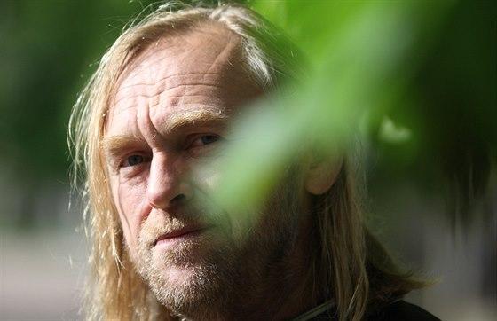 Lidi by měli ochutnat volnost a svobodu, říká Tomáš Hajíček.