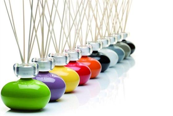 Tvar i barvu aroma difuz�ru si m�ete zvolit podle vzhledu interi�ru.