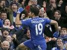 Diego Costa se raduje, fanou�ci ��l�. Po kr�sn�m s�lu p�idal druh� g�l Chelsea a definitivn� rozhodl o v�t�zstv� nad West Hamem.
