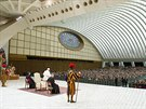 Papež František v pondělí vedl tradiční předvánoční projev k představitelům římské kurie. Následně promluvil k zaměstnancům Vatikánu a jejich rodinám (22. prosince)
