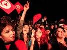 Voliči strany Hlas Tuniska oslavují.