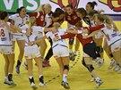 MISTRYNĚ. Norské házenkářky se radují z výhry nad Španělskem ve finále mistrovství Evropy.