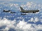 České gripeny s italským tankerem KC-767