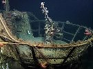 Potopen� ponorka U-166 na z�b�rech podmo�sk�ho robota