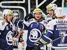 PLZEŇ VÁLÍ. Hokejisté Plzně slaváí gól do sítě Mladé Boleslavi, proti níž protáhli vítěznou sérii na pět duelů.