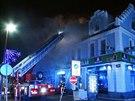 Ohe� zp�sobil na rodinn�m dom� v kladensk� Tyr�ov� ulici t��milionovou �kodu (28. prosince 2014).