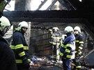 Nezvaný návštěvník podpálil v obci Hřebeč třiašedesátiletému důchodci chalupu. Ten se při hašení popálil (28. prosince 2014).