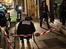 Pomatený muž srazil na pěti místech Dijonu 11 lidí na chodníku.