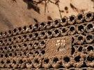 Luxusn� francouzsk� �bublinky� je�t� v dob� zr�n� ve sklep�, ukryt� pod n�kolikaletou pl�sn�.