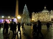 Vatikán, náměstí svatého Petra: 18:00, 24. prosince