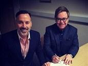 David Furnish a Elton John uzav�eli man�elství (Windsor, 21. prosince 2014).