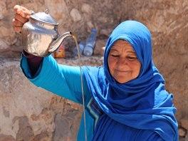 V arabsk�ch zem� se tak� slav� konec star�ho a p��chod nov�ho roku, akor�t se m�sto alkoholu nal�v� m�tov� �aj.