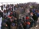 Téměř sto tisíc lidí dorazilo na rybářský festival na jezeře Čcha-kan na severovýchodě Číny.