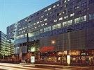 V komplexu Sony Center na Postupimském náměstí najdete Deutsche Kinemathek - muzeum věnované německému filmu. Jeho součástí je i expozice Marlene Dietrichové.